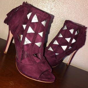 Burgundy xoxo heels ✨